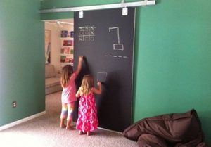 drzwi przesuwne kredowe pokoj dzieciecy