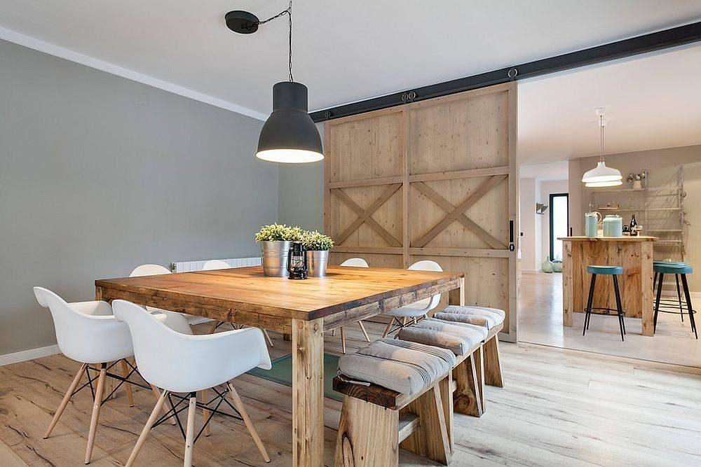 duże drzwi przesuwne, pomiędzy kuchnią a jadalnią, drzwi drewniane, jadalnia