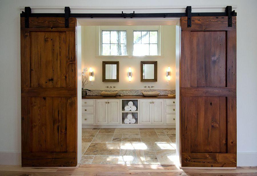 drzwi przesuwne dwuskrzydłowe łączące łazienkę i sypialnię