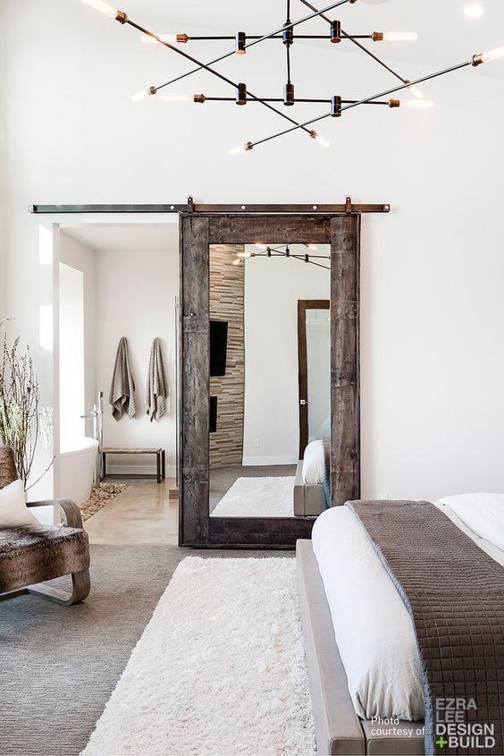 Drewniane drzwi przesuwne z lustrem
