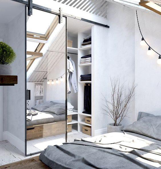 Drzwi przesuwne z lustrem w stylu industrialnym