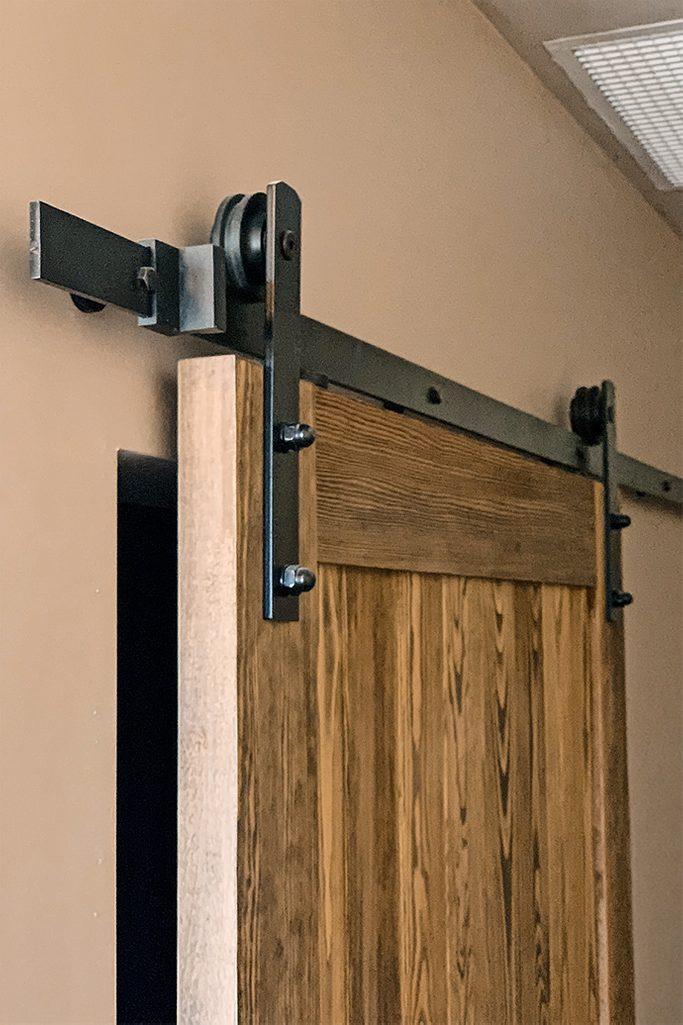 rustykalne drzwi przesuwne, rolki do drzwi przesuwnych