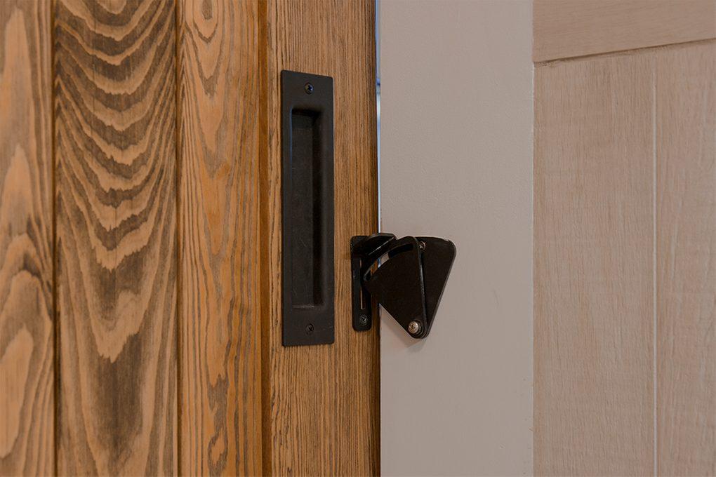 zamek do drzwi przesuwnych, wpuszczana klamka do drzwi
