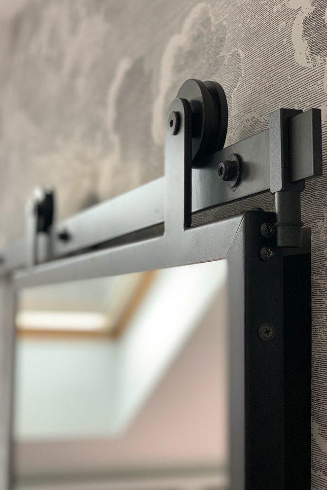 system przesuwny, lustro przesuwne w metalowej ramie