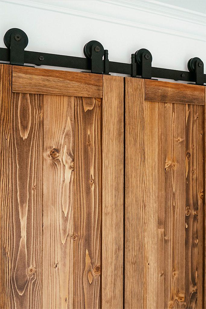 minimalistyczny system drzwi przesuwnych, rolki do drzwi przesuwnych, wąskie drzwi przesuwne, drzwi podwójne