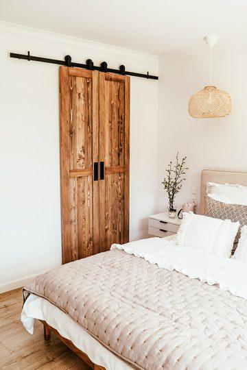 Wąskie drzwi przesuwne, model FINKA