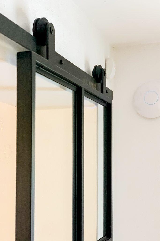 szklane drzwi w metalowej ramie, szklane drzwi przesuwne, drzwi metalowe wypełnione szkłem, drzwi loftowe