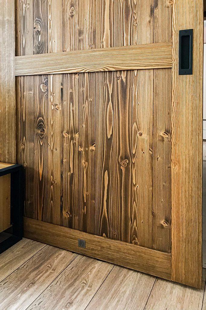 Drewniane drzwi przesuwne Finka z wpuszczaną klamką Inner